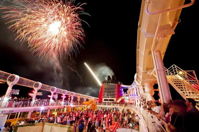 Top 7 Cruise Ships For Entertainment On The Seas! - Entertainment Designer