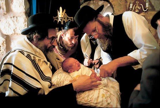 Beneficios y riesgos de la circuncisión