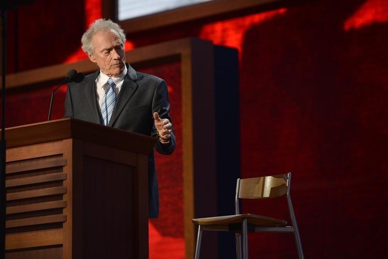 Clint Eastwood se mofa de Barack Obama - Lo bueno, lo malo y lo feo de los EU