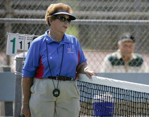 Jueza de tenis mata a su marido con una taza