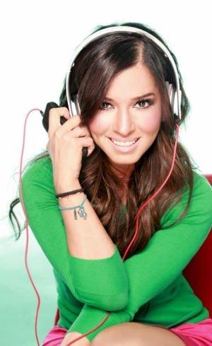 Laura G se queda sin empleo - Televisa despide a Laura G