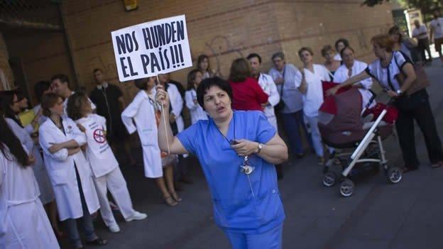 Medicos españoles rebeldes atienden a ilegales