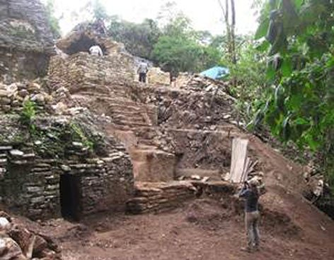 Descubren teatro maya de 1.200 años de antigüedad