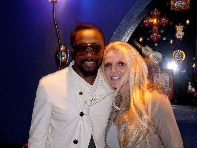 Britney Spears y Will.i.am graban canción juntos