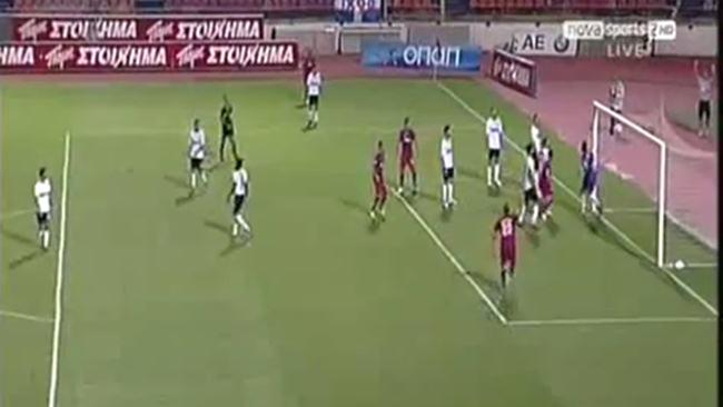 Video: El autogol más tonto en el fútbol griego