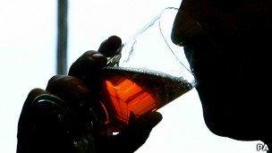 Seis personas muertas por beber licor de contrabando