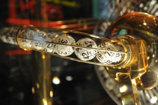 Una familia gana tres veces millones con la lotería