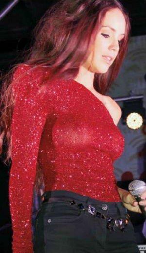 Camila Sodi se pasea sin ropa interior - Fotos
