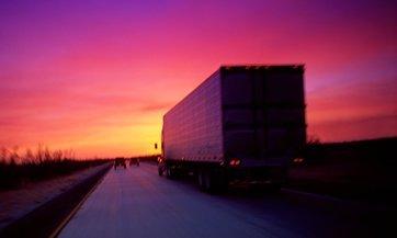 Grupo Modelo subasta sus camiones