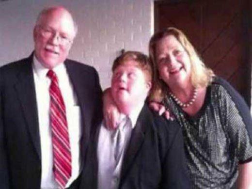 American Airlines niega vuelo a un niño con síndrome de down