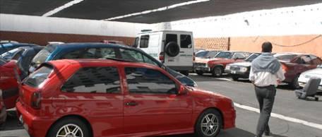 Por qué guardar el auto en un estacionamiento