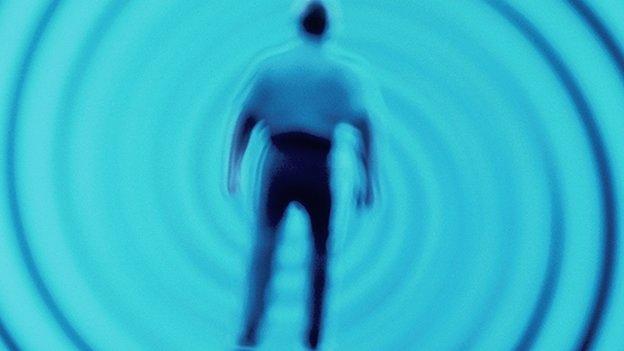 La hipnosis como tratamiento para enfermedades y adicciones