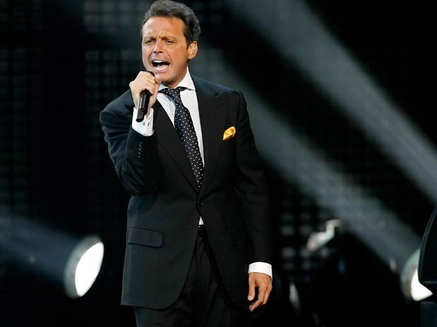 Luis Miguel hace dueto virtual con Frank Sinatra - Video