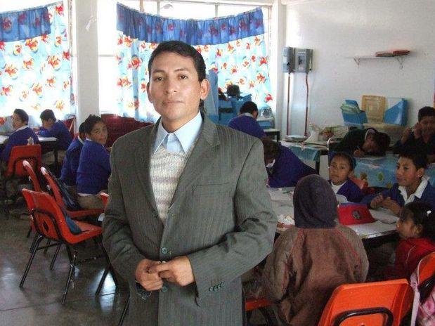 Un mestro pierde su empleo por ser gay
