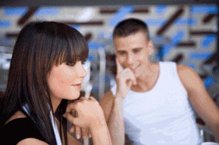 Pequeños detalles para seducir a una mujer