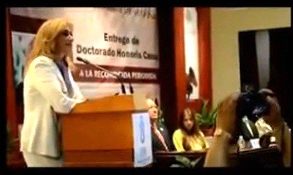 Video: Activistas agreden a la periodista Adela Micha