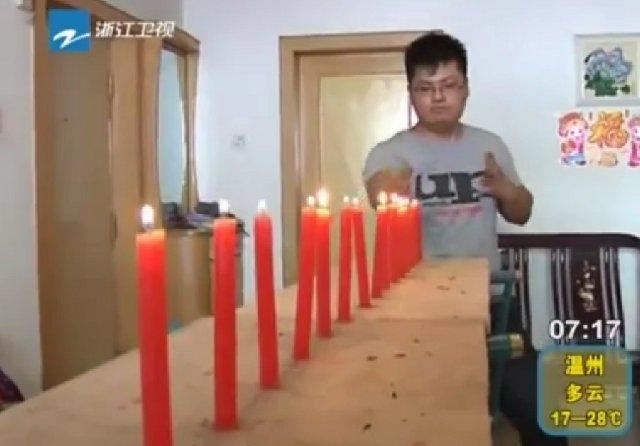Video: El hombre que apaga las velas a los golpes