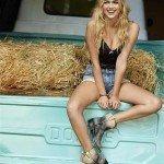 Kate Upton como nunca la viste en una granja - Fotos
