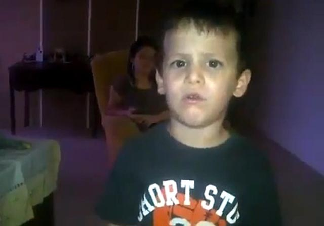 Video: La reacción de un niño al enterarse de la victoria de Hugo Chávez