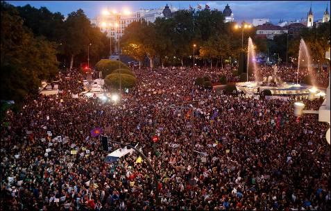 En España protestan sin ropa contra las medidas de austeridad - Fotos