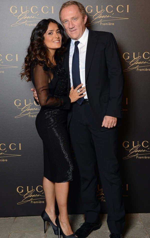 Así Salma Hayek mantiene encendida la pasión con su marido