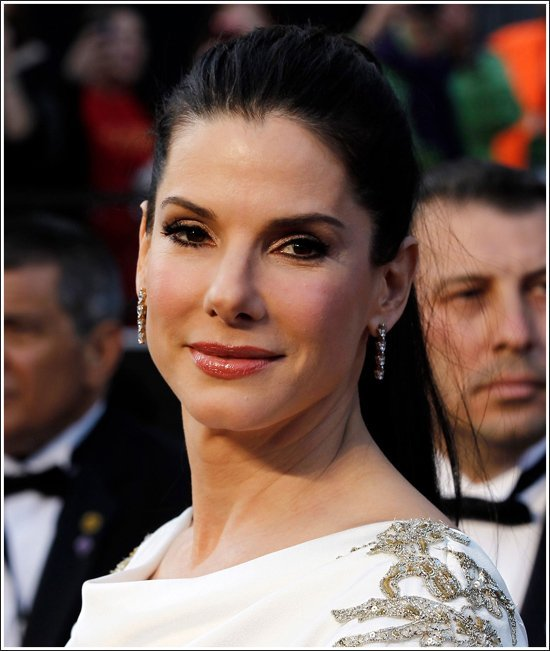 Sandra Bullock aparece al natural en TV - Video