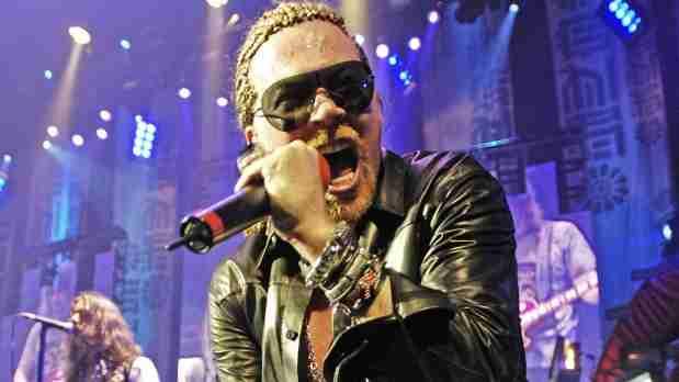 Axl Rose enojado ataca a ex Guns N'Roses