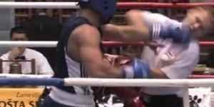 Video: Boxeador se descargó con el árbitro