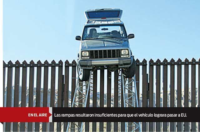 Insólito: 4x4 narco quedó atascada en la frontera México-EU - Fotos y Video