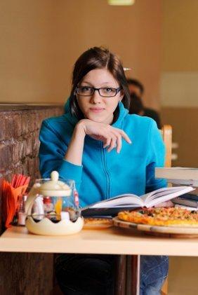 Los beneficios de comer solos