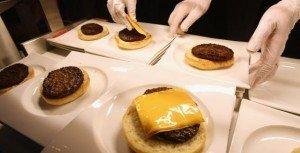 Conoce al robot que cocina la 'hamburguesa perfecta' - Video