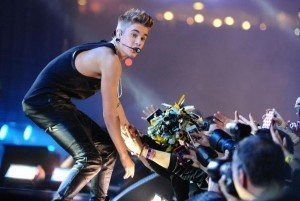 El público abuchea a Justin Bieber en pleno show