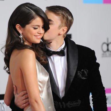 Video: Justin Bieber y Selena Gomez juntos en los AMA