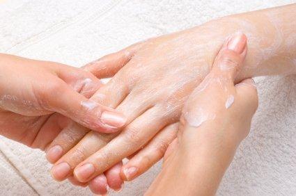 Cómo usar bicarbonato de sodio en tratamientos de belleza