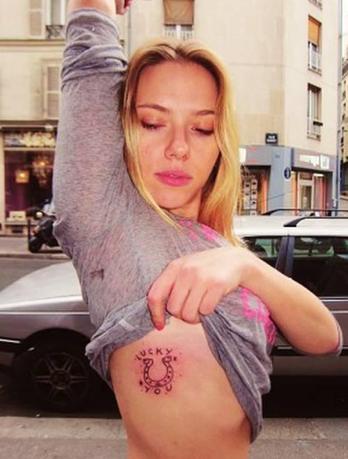 Scarlett Johansson comparte su último tatuaje - Foto
