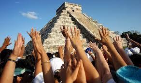 Multitud se reúne en Chichén Itzá por 'fin de era'