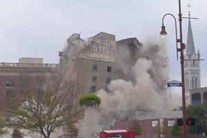 Video: Derrumbe de un hotel