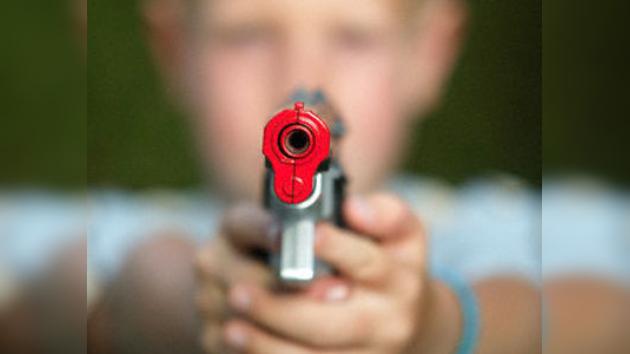 Un niño mató de un disparo a su padre neonazi