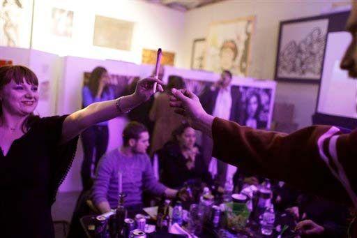 Video: EU abre clubes para fumar mariguana