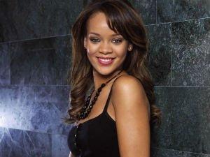 Rihanna deja propina de 200 dólares a un camarero