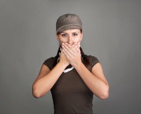 ¿Por qué los dientes se vuelven grises?