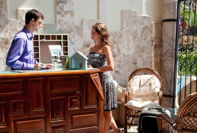 Lo que toda mujer debe saber al viajar sola