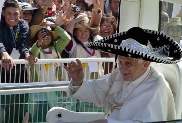 El accidente de Benedicto XVI durante su viaje a México