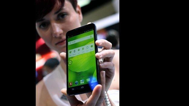 Tendencia en smartphones: más grandes y baratos