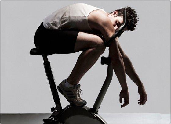 ¿Las personas sedentarias pierden más kilos?