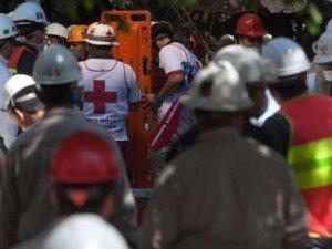Asciende a 36 los muertos por explosión en Pemex