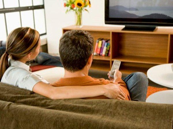 ¿Ver televisión en exceso reduce la fertilidad?