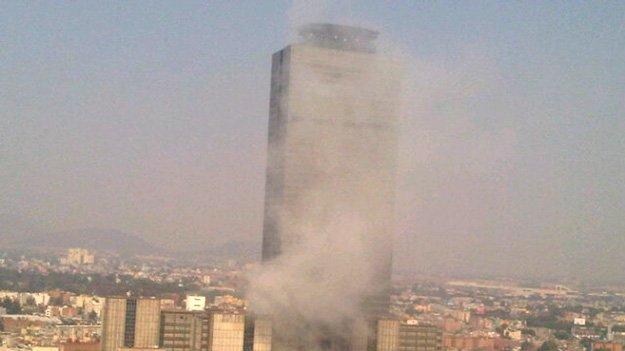 Videos escalofriantes de la explosión en edificio de Pemex