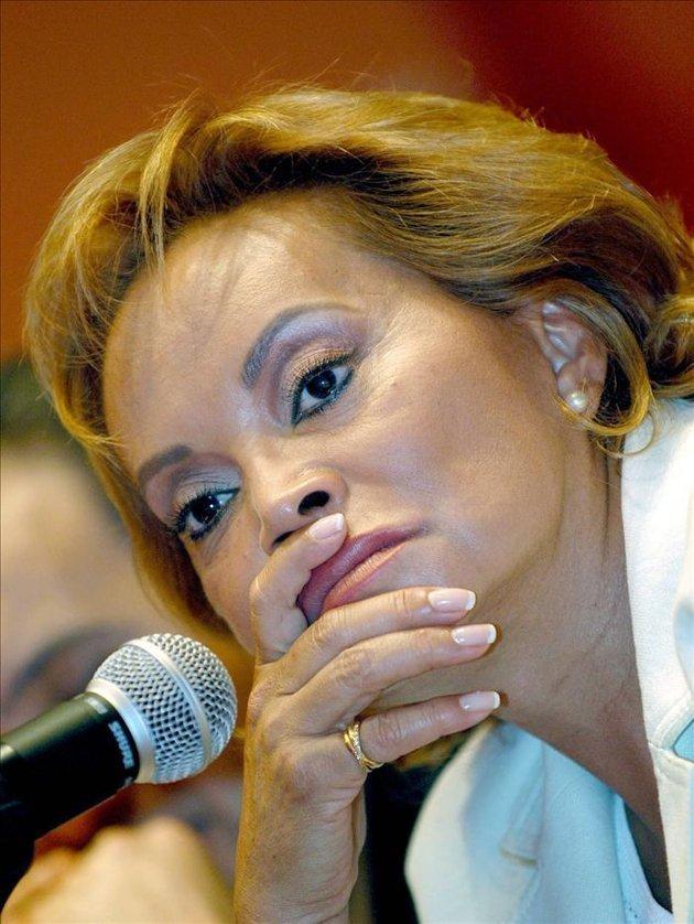 ¿Cuántas cirugías tiene hechas Elba Esther Gordillo?