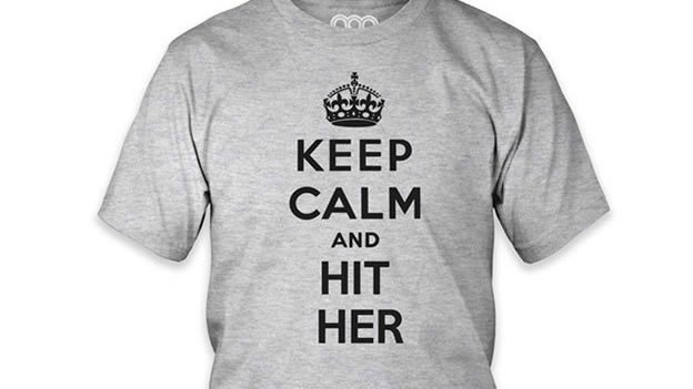 Éstas son las camisetas de la polémica por mensajes misóginos